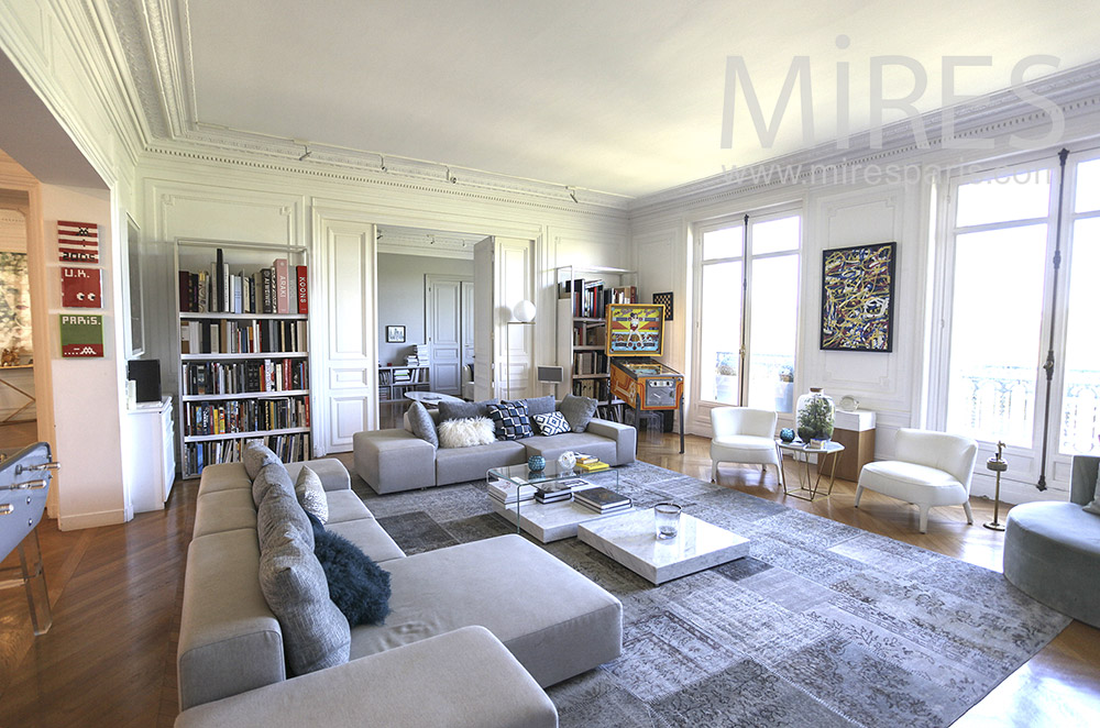 Haussmannian, modern, airy and family. c1559