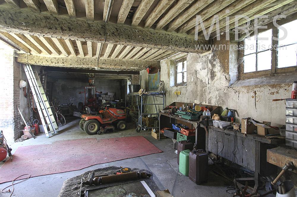 Garage de ferme. C1396