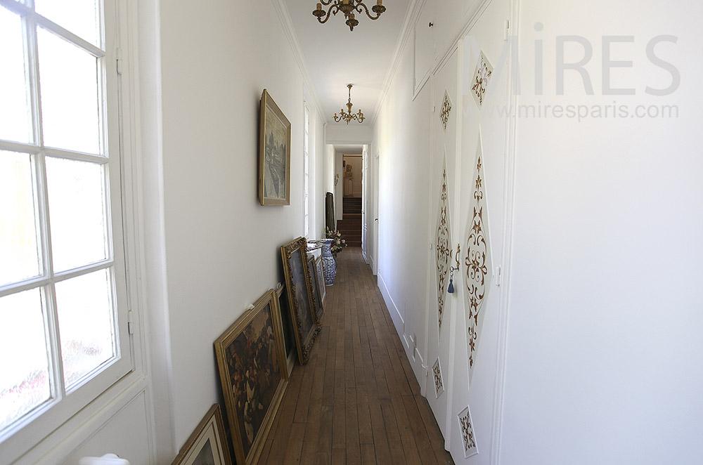 Couloir des artistes. C1562