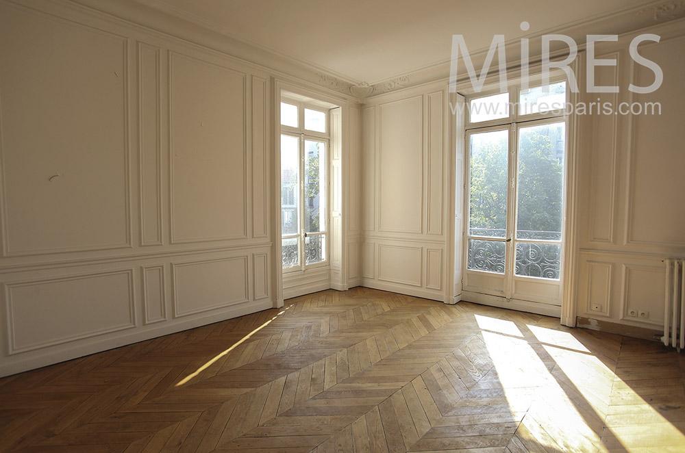 Salon d'angle et parquet. C1564