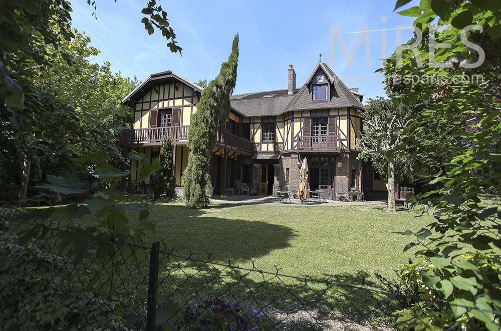 Jolie maison normande près de Paris. C1568