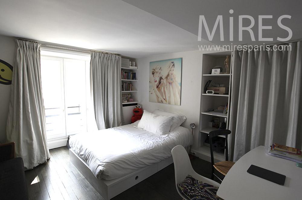 Girl's room. C1569