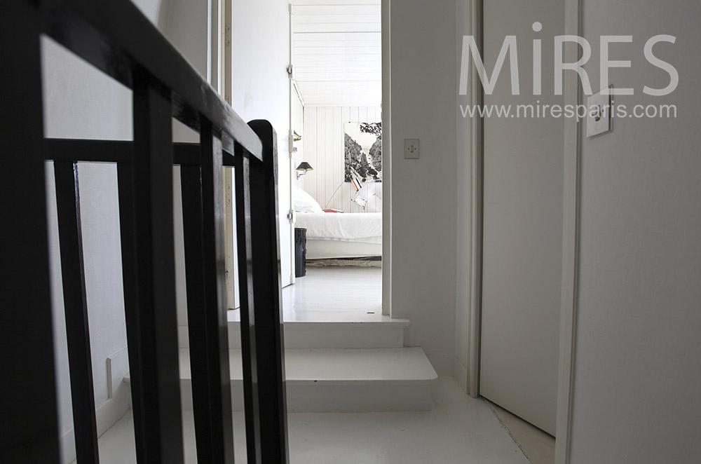 escalier noir et blanc c1569 mires paris. Black Bedroom Furniture Sets. Home Design Ideas
