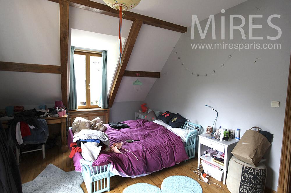 chambre sous les toits avec terrasse c1570 mires paris. Black Bedroom Furniture Sets. Home Design Ideas