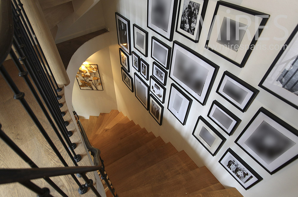 Pictures stairs. C1573