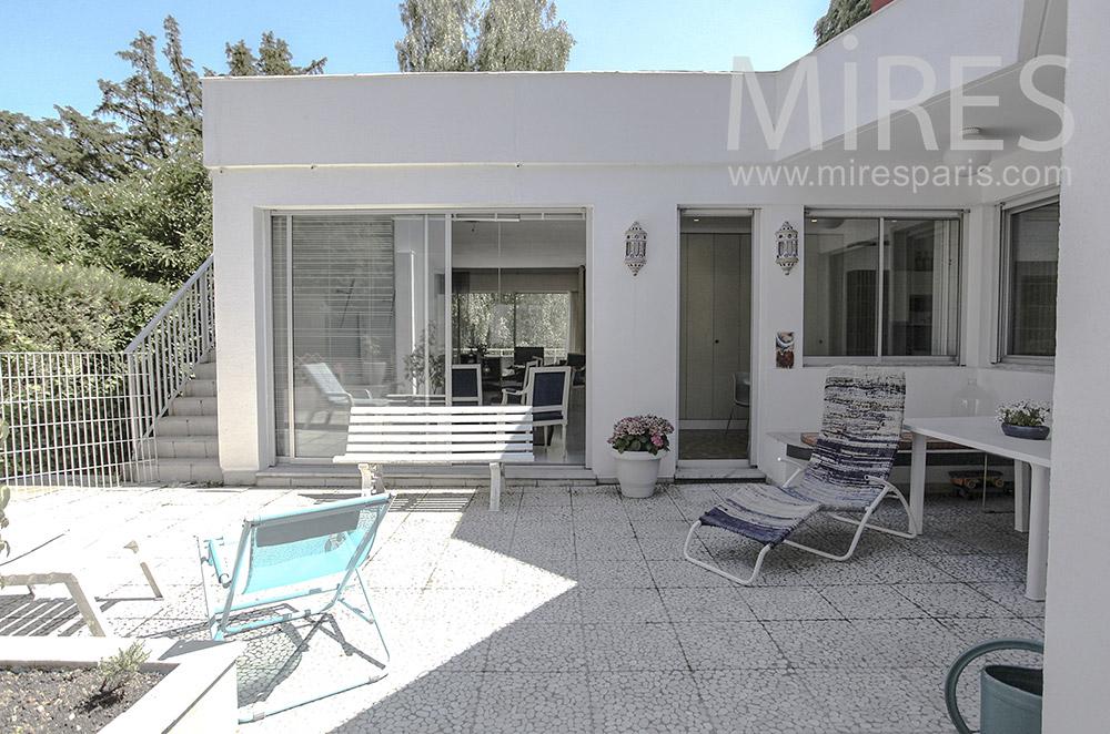 Terrasse blanche. C1582