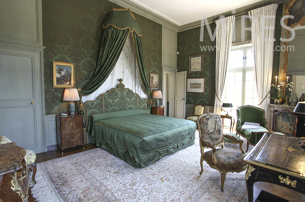 Green bedroom. C1580