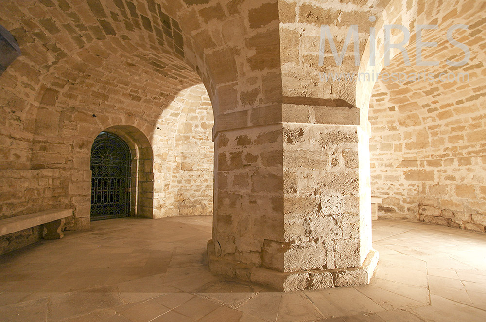 Vaulted cave. C1580