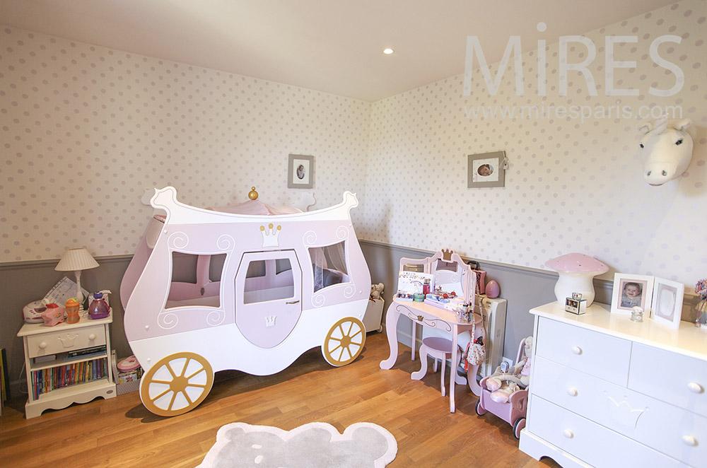 Chambre carrosse de princesse. C1581 | Mires Paris
