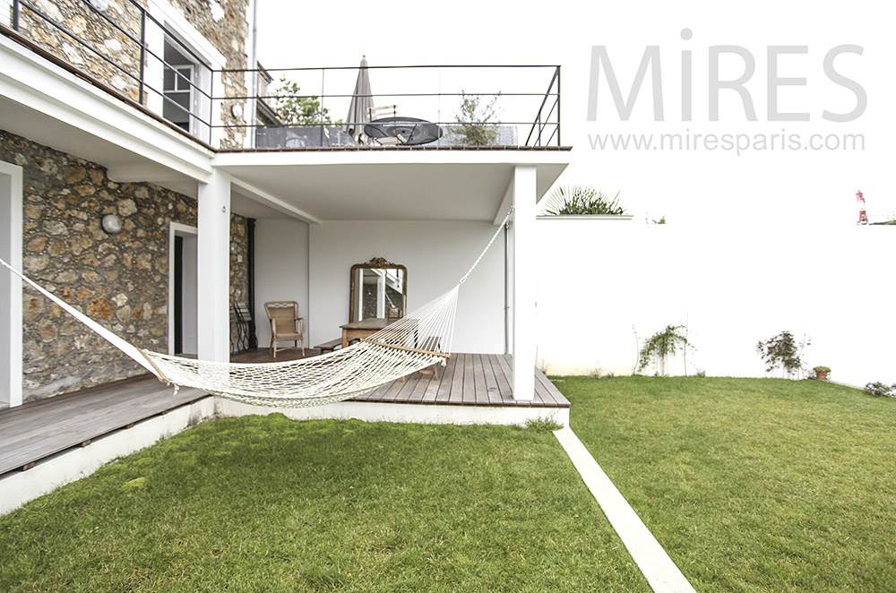 Terrasse et hamac. C1583