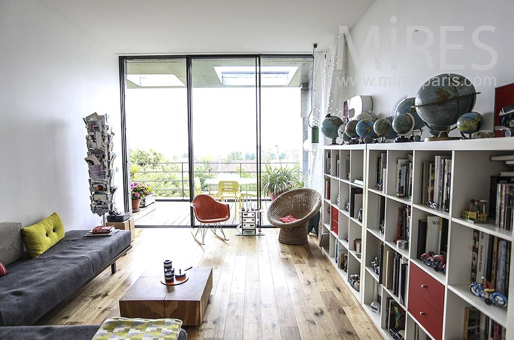 Salon et terrasse. C1584