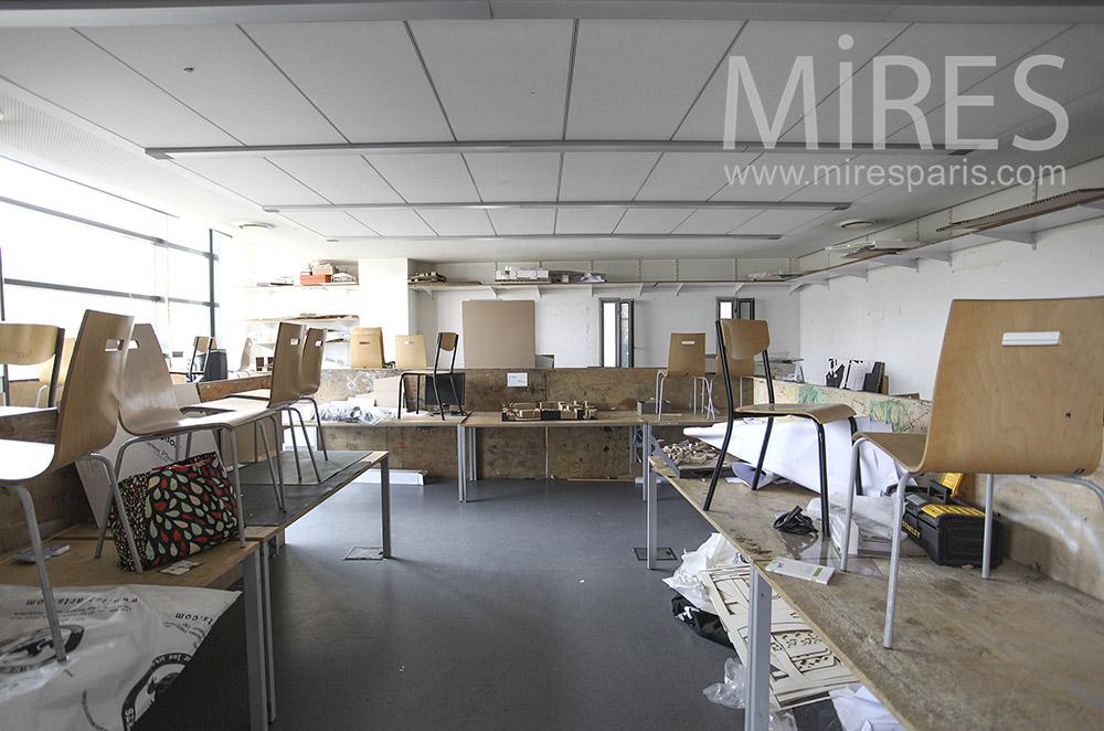 Ateliers encombrés. C1589