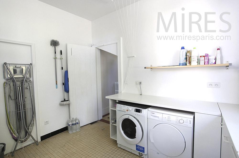 Orderly laundry. C1594