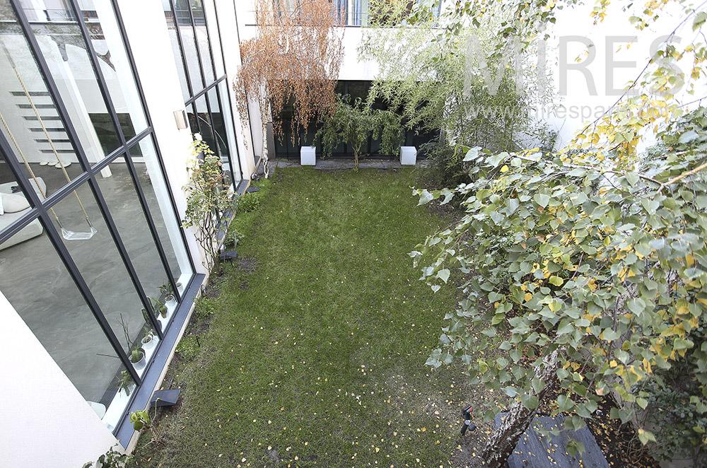 Enclosed garden. C0096