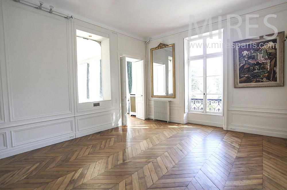 Empty living room. C0630