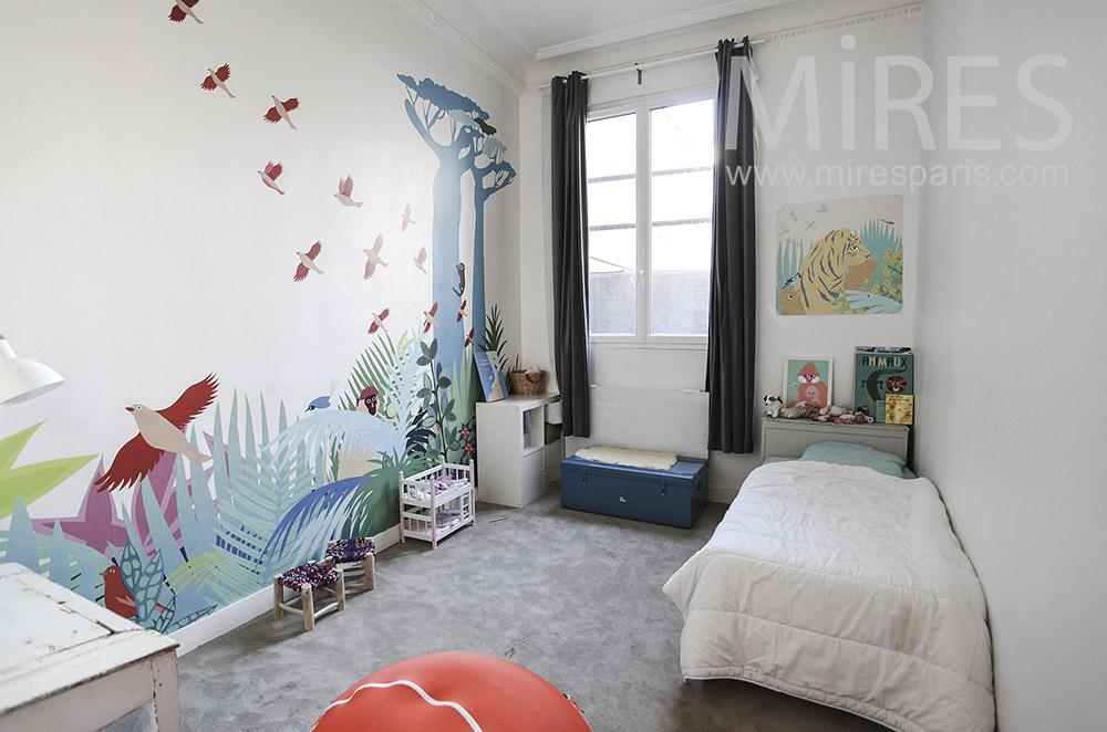 Chambre d'enfant avec mur peint. C1291