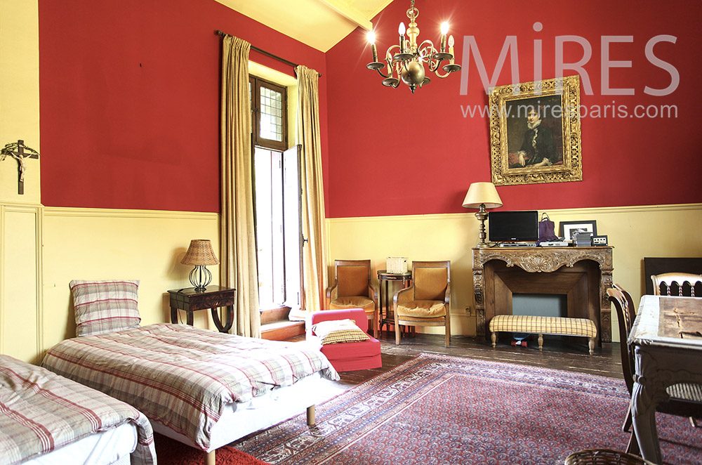 Old double room, yellow and red. c1597