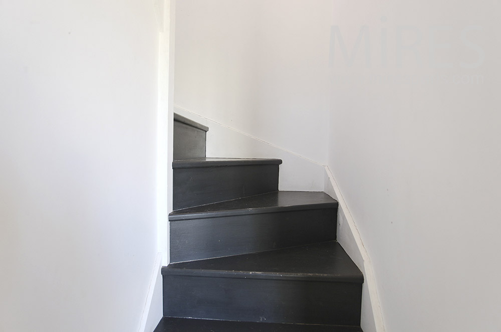 Little black staircase. C1603