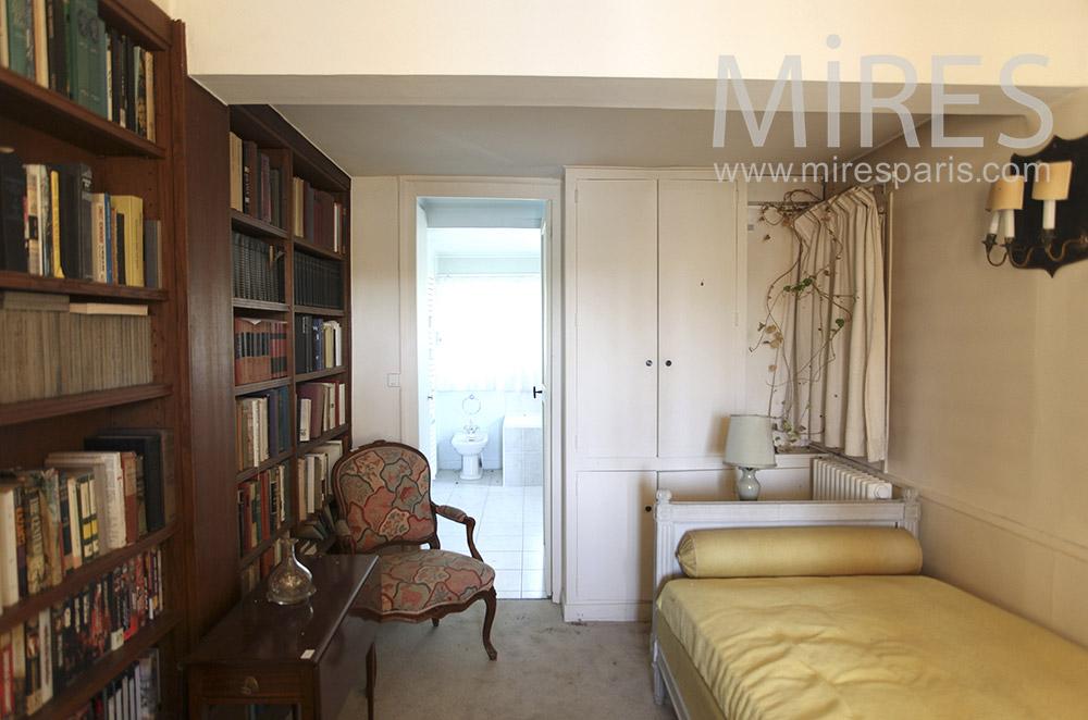 Reading room. C1605