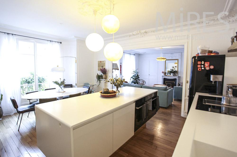 White central kitchen. C1615