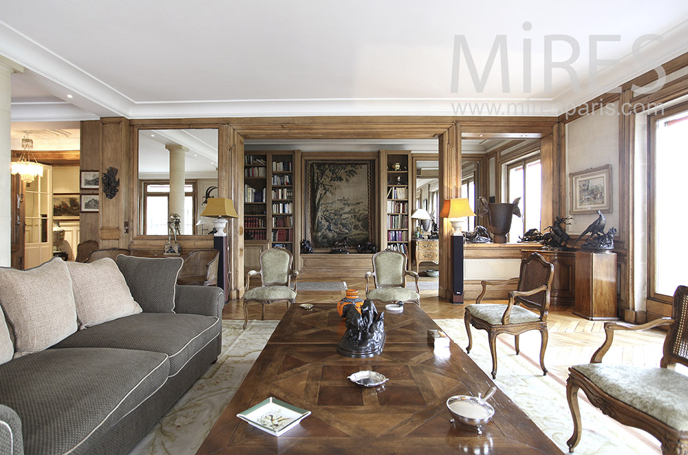 Beautiful living room, wood and taupe. C0065