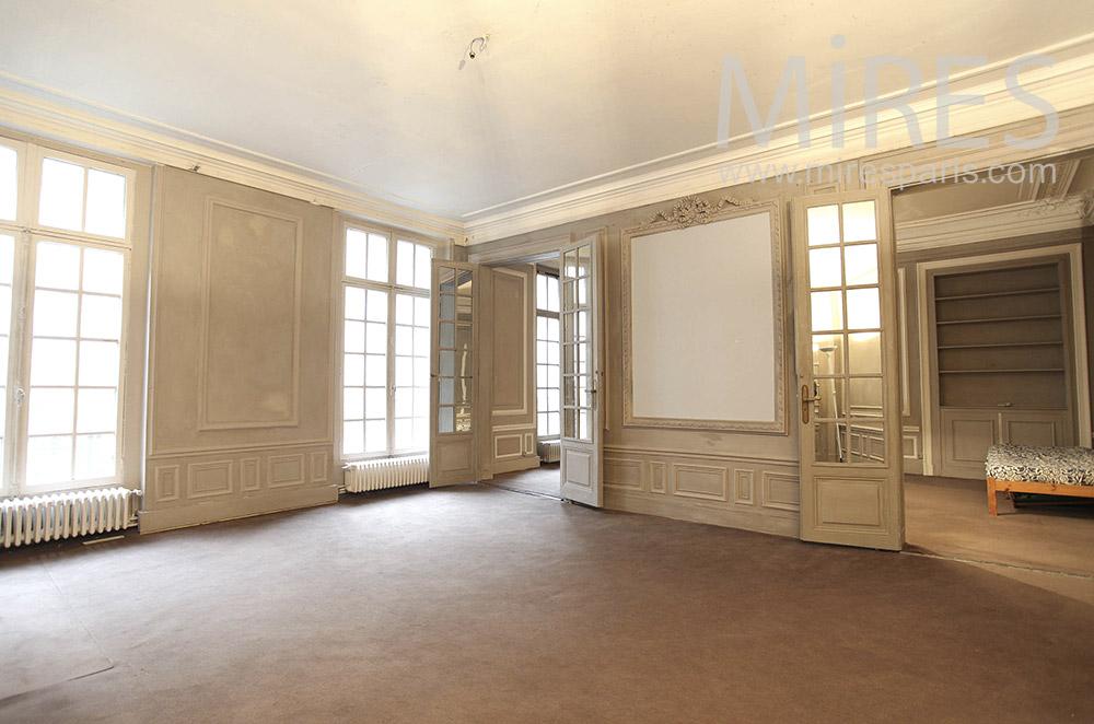 Appartement parisien vide. C0888