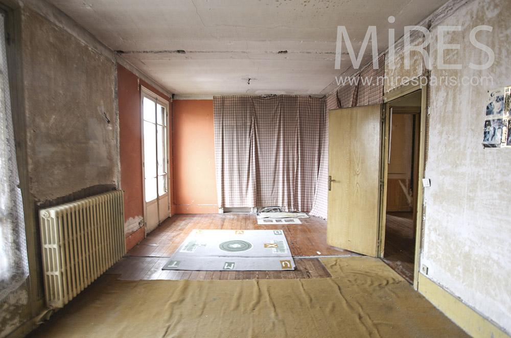 Chambre délabrée. C1626