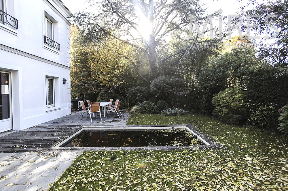 Petite piscine de jardin. C1627