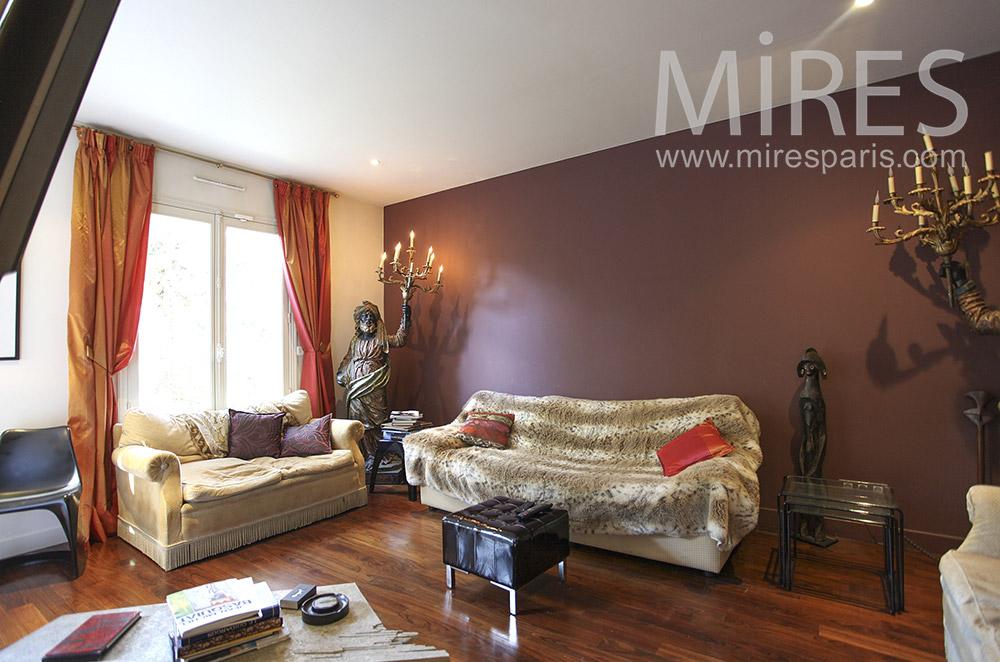 Salon bordeaux. C1627