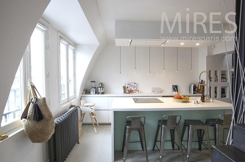 Cuisine moderne sous les toits. C1632