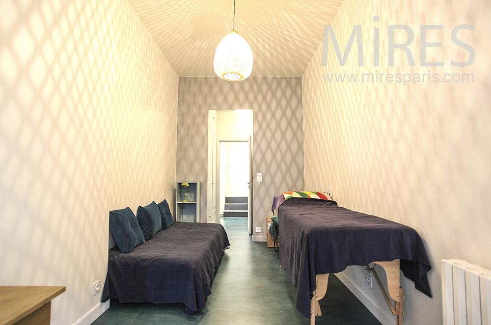 Massage room. c1640