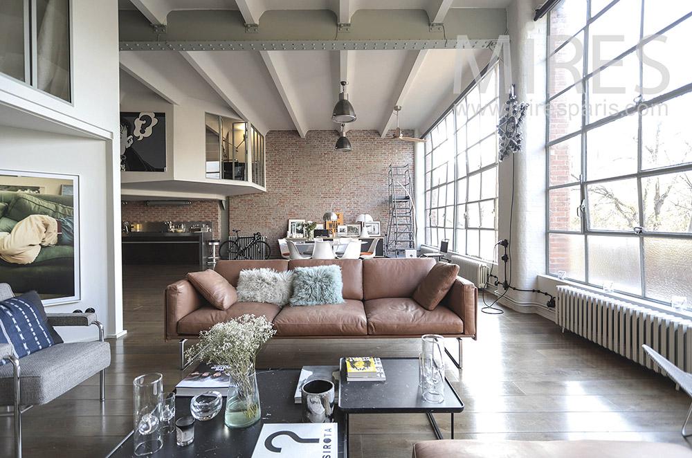 Beau salon déco, mur vitré. C1645