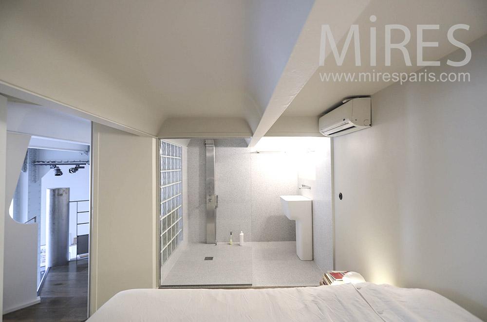 Chambre avec douche. C1645