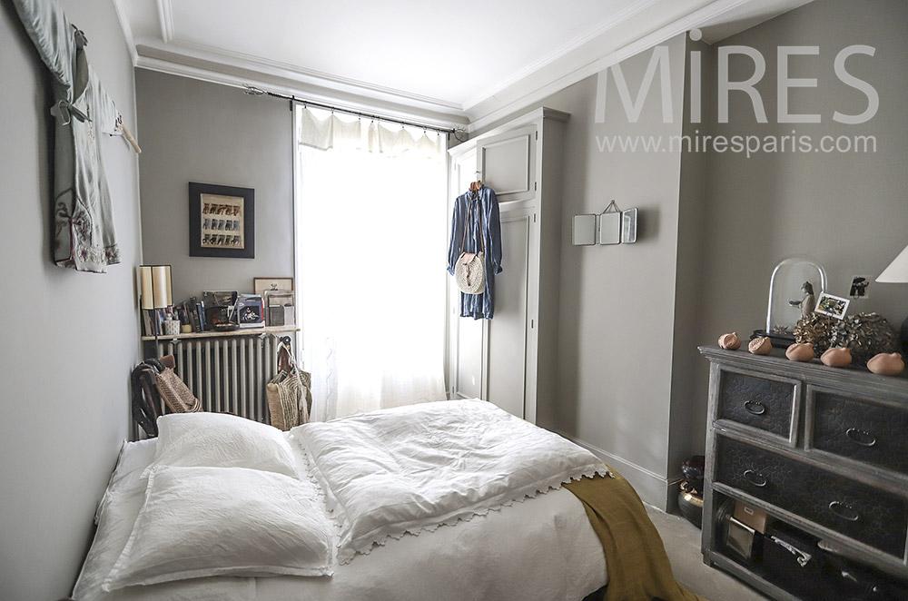 Bistre retro bedroom. C0214
