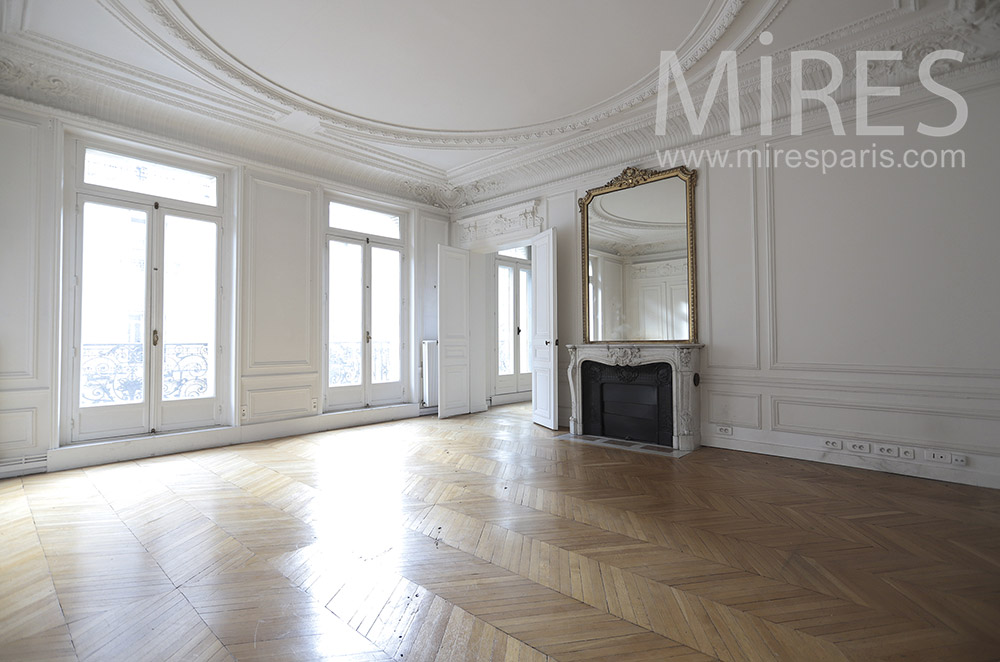 Empty parisian apartment. c1653