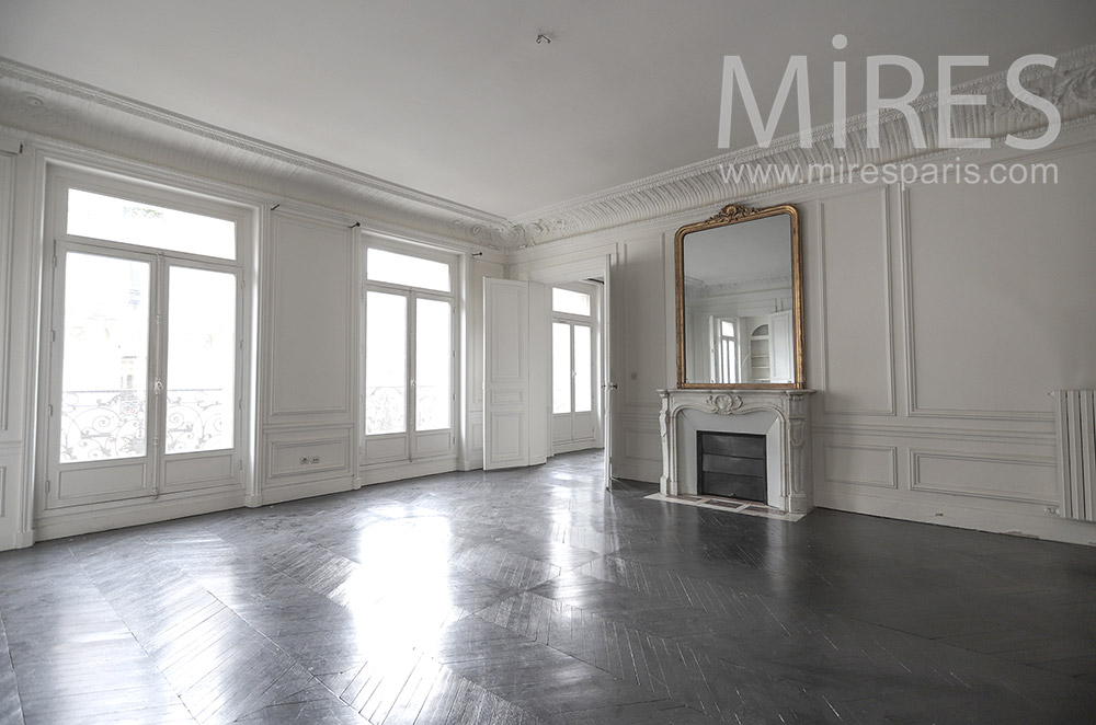 Empty parisian flat with black ground. c1654