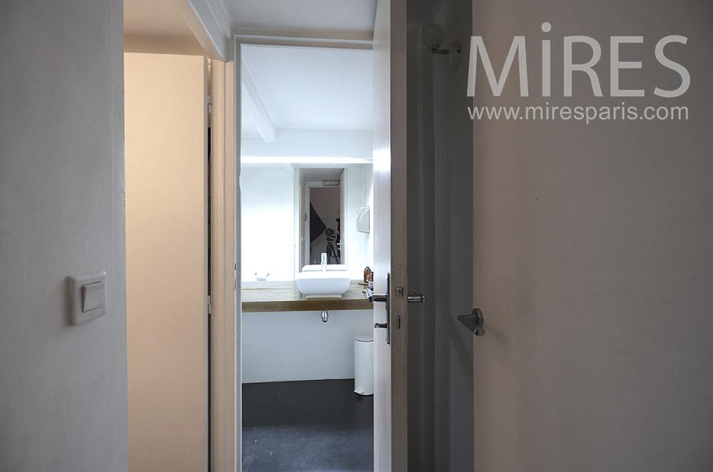 Petite salle d\'eau. C1656 | Mires Paris
