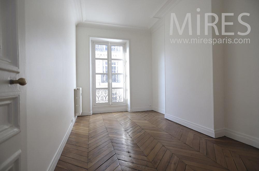 Empty room. C1662