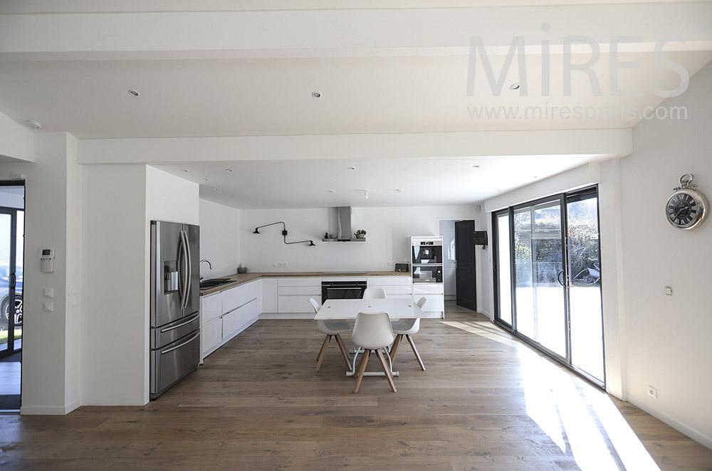 Grande cuisine sur terrasse. C1664