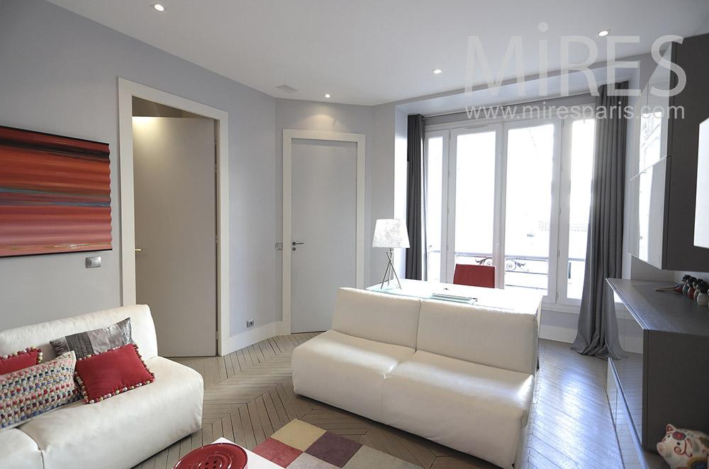 Bureau salon blanc et rouge. C1668