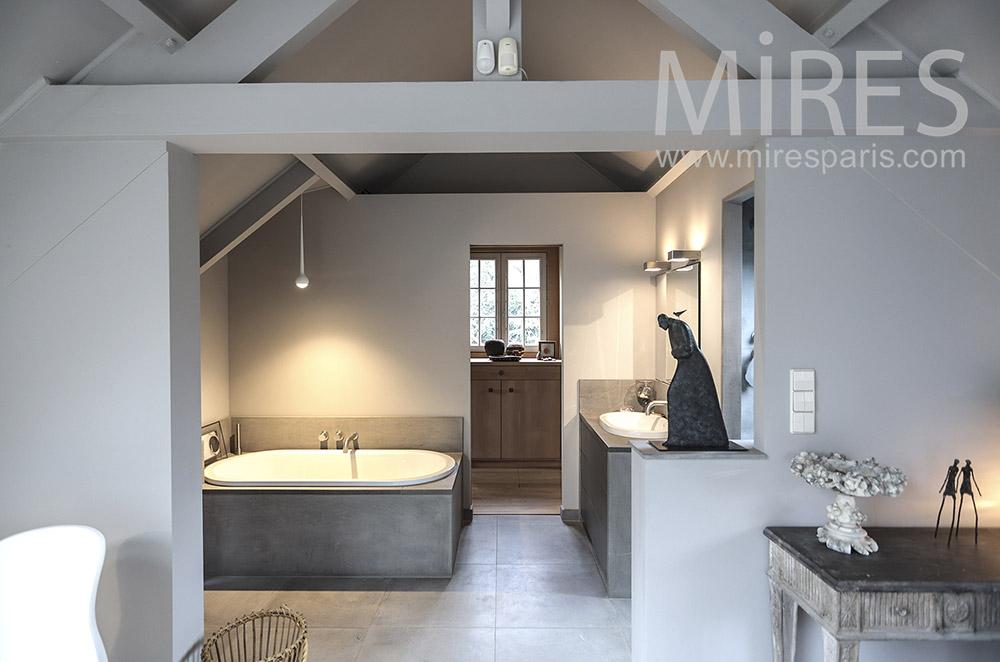 Maison de famille. C1672 | Mires Paris