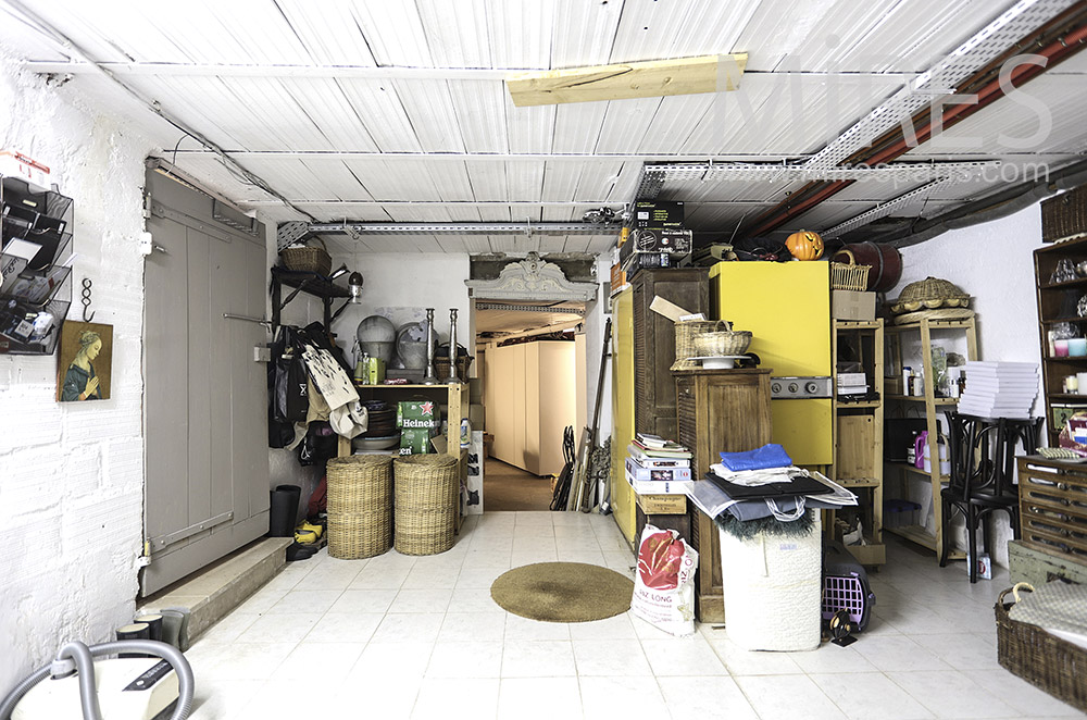 Storage cellar. C1672