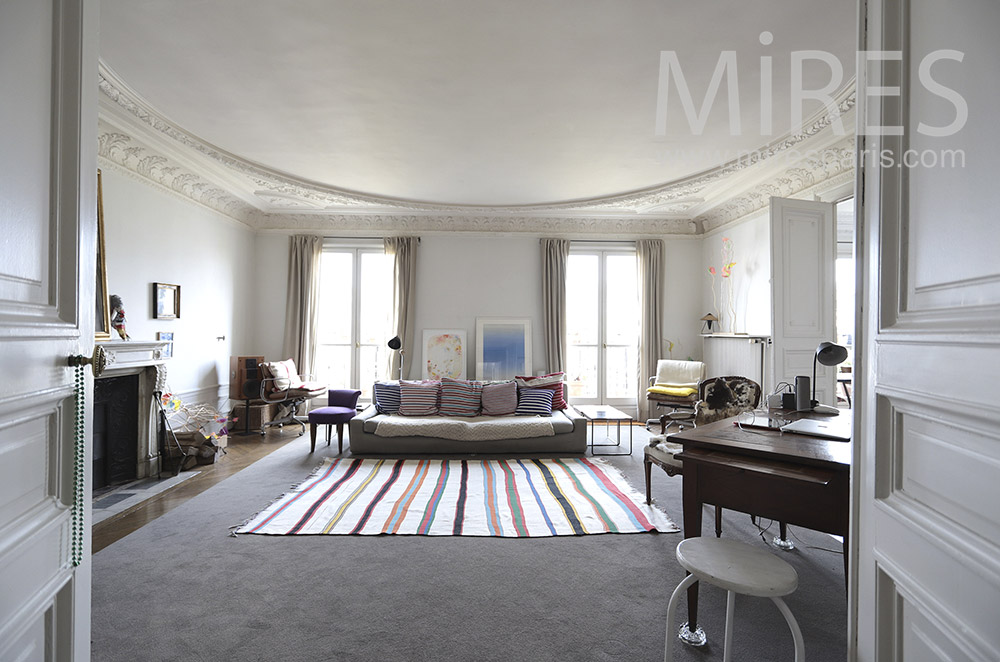 Parisian apartment. c0207