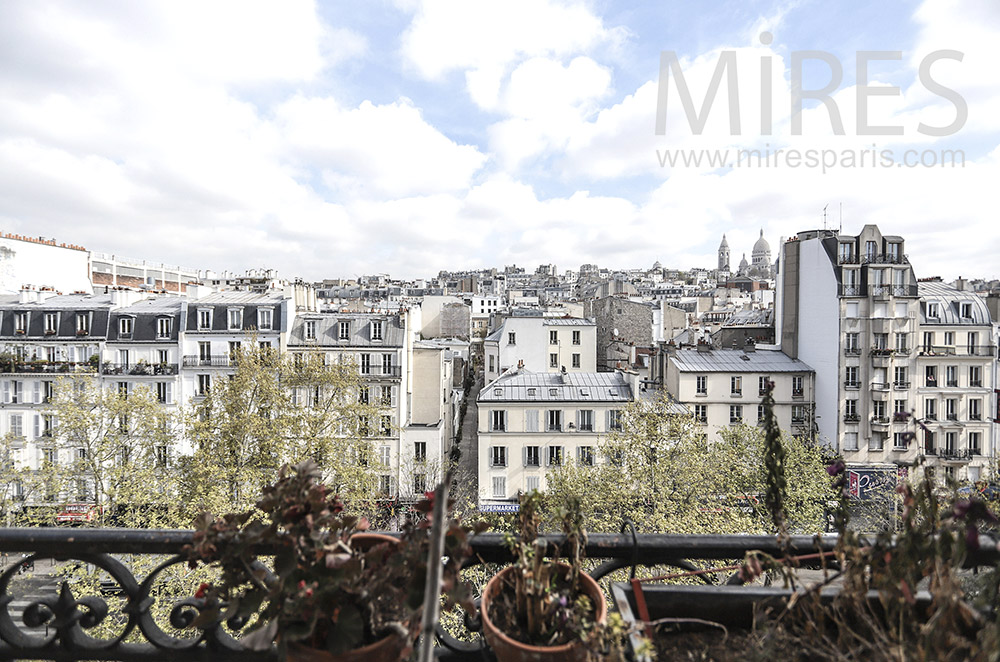 View of Montmartre. c0207