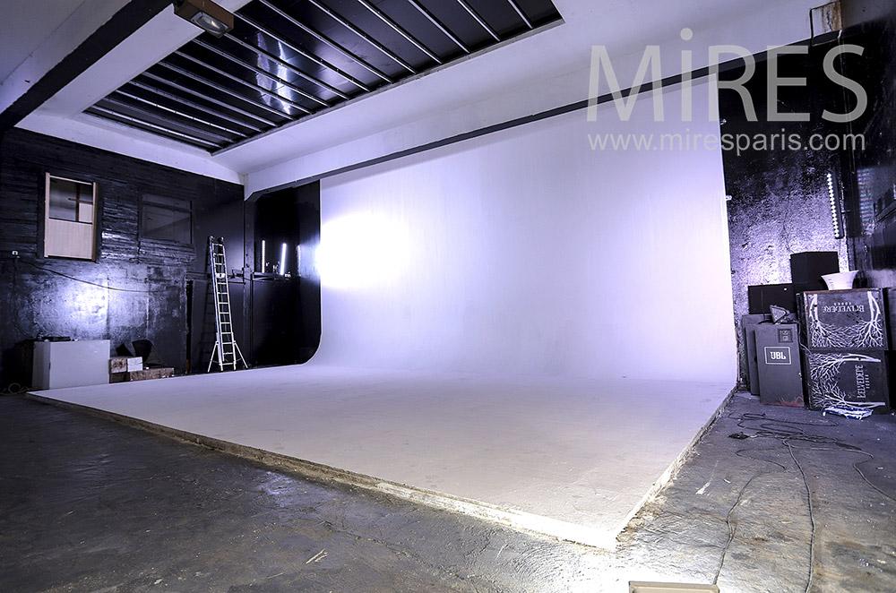 Studio photo. C1688