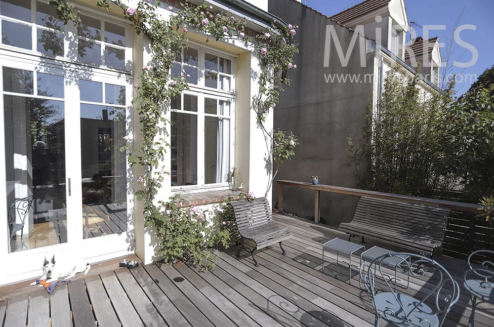 Terrasse en bois. C1697