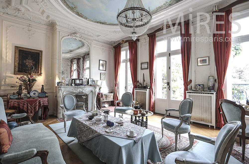 Grand salon classique. C1698