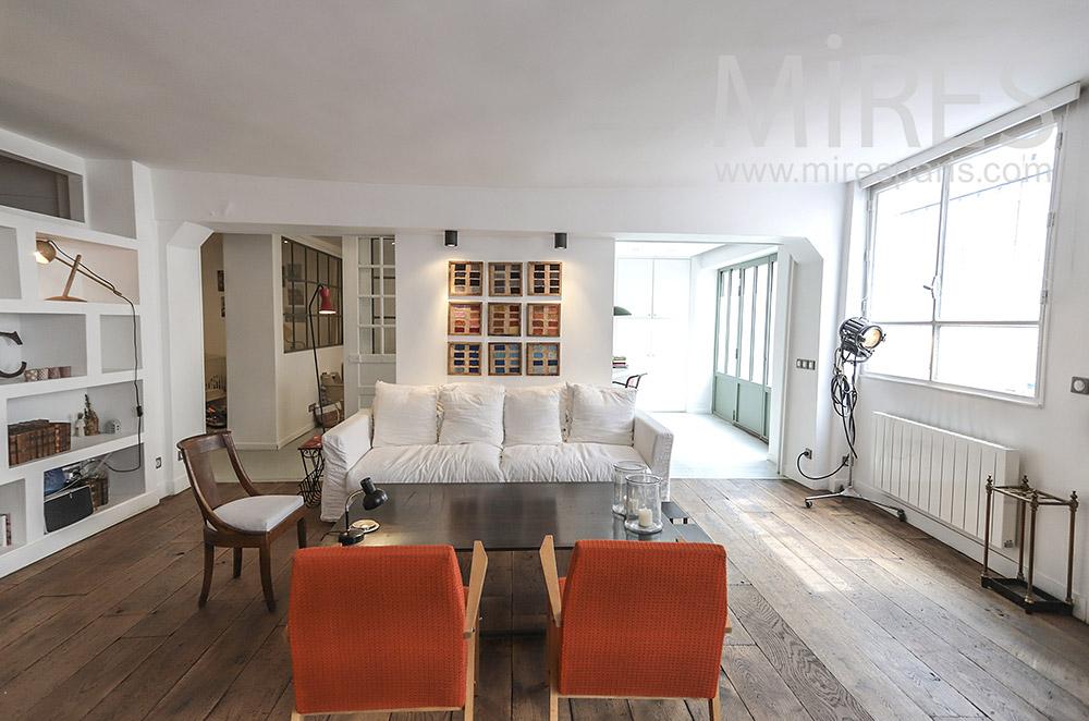 White living room, parquet floor. c1706