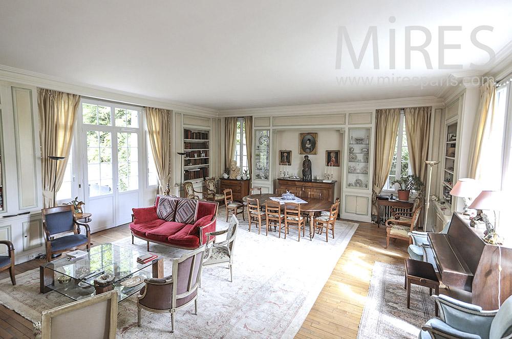 Maison de famille. C1712 | Mires Paris