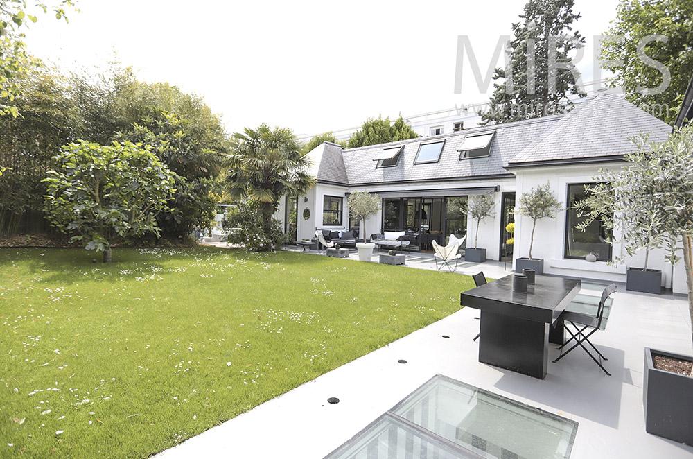 Jardin, double terrasse. C0067